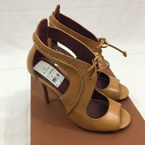 Coach Louse New Calf Heels, Size 6.5, Ginger
